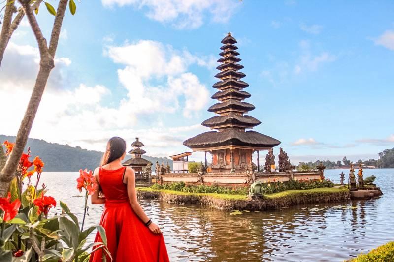 Dream Cruises - Singapore, Surabaya & North Bali Tour