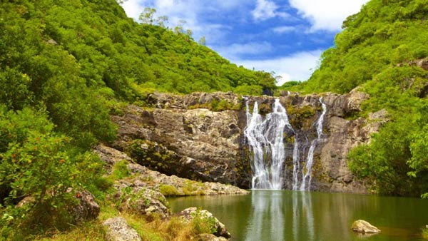 Hiking Trip Full-Day : The Magnificent 7 Waterfalls Sept Cascades, Tamarind Falls Tour