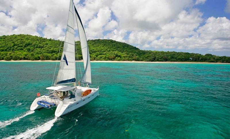 Catamaran Adventure Full Day: Ile Aux Cerfs, GRSE Waterfall, Snorkeling & BBQ Lunch