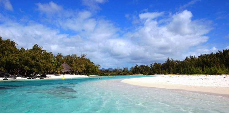 A Full Day At Ile Aux Cerf Island (Speed Boat, Waterfall GRSE And Lunch On A Private Island) Tour