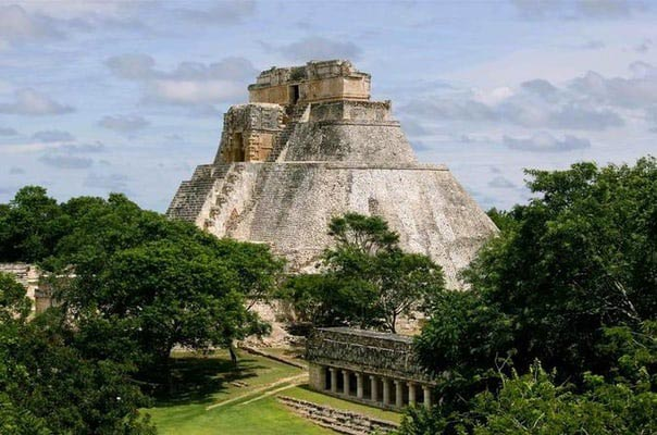 Yucatan Explorer Tour With Mexico City - Palenque