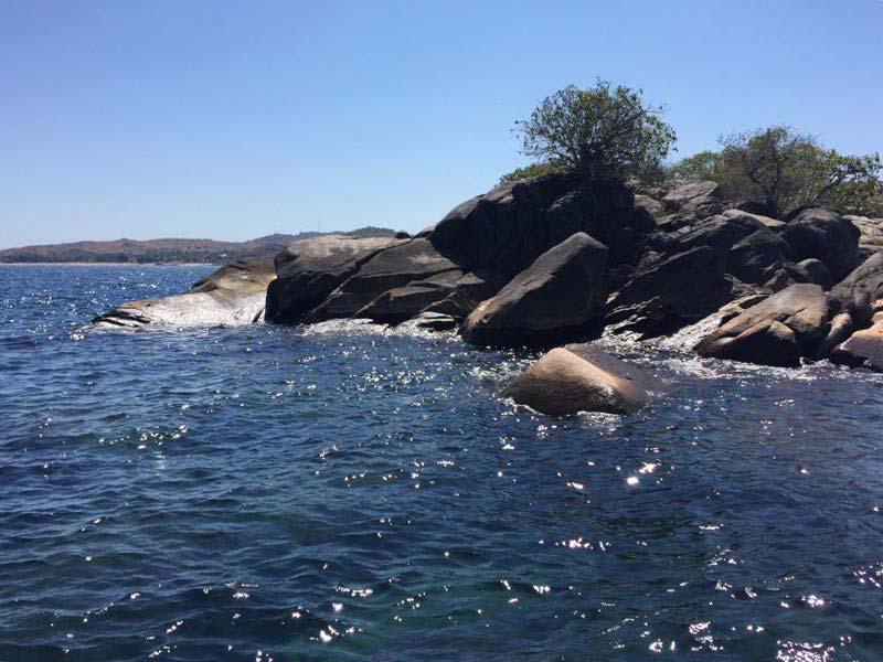 Lake Malawi: Likomo Island - Nkwichi, Mozambique Tour