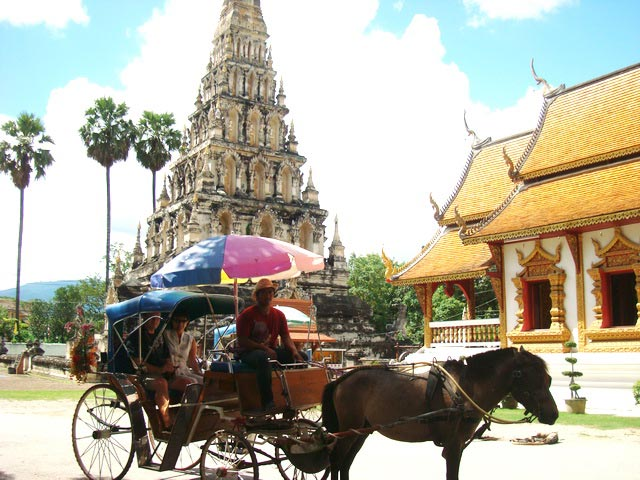 Mae Ping River Cruise Wiang Kum Kam Tour