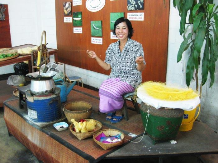 Sankampaeng Thai Craft Village Tour