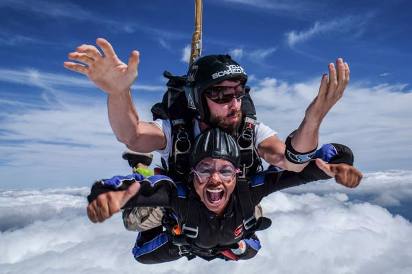 Skydiving & 007 Flight Tour