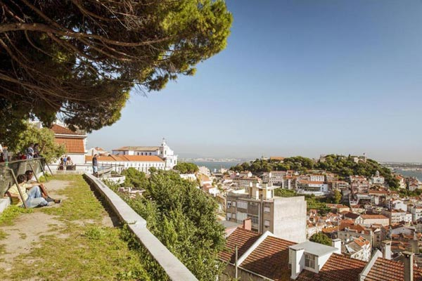 Lisbon – History And Nature Package