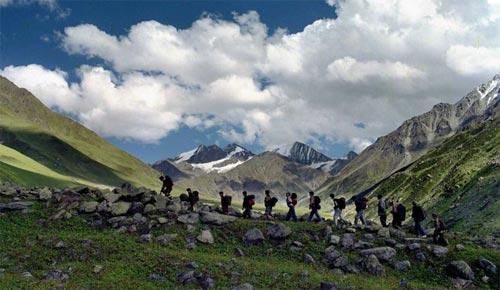 Day Magical Bhutan With Bum-Dra Trek Tour