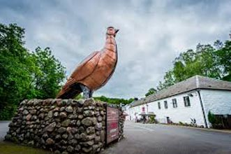 Stirling Castle, The Famous Grouse Distillery And Loch Lomond Tour