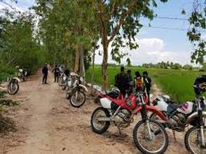 Biking Coastal Towns And Phnom Penh Tour