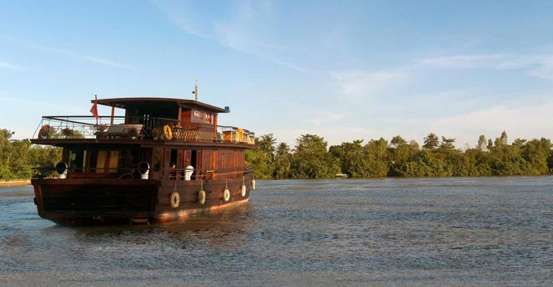 Mekong Night Cruise & Cai Be Resort Tour