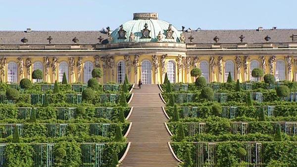 Berlin & Potsdam Tour