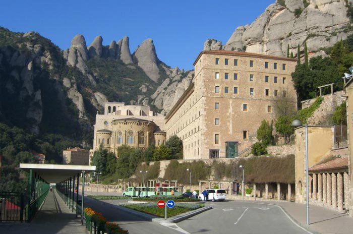 Montserrat Monastery Tour From Barcelona Package