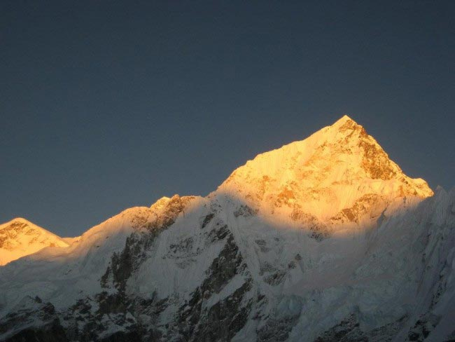 Everest Trek And Chitwan Jungle Safari Trek Tour