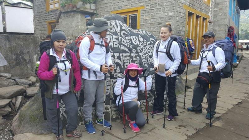 Everest Discover Trek Tour