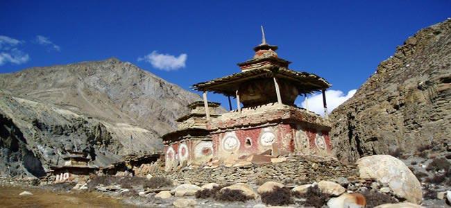 Annapurna Trek With Nar And Phu Along Kang La Tour
