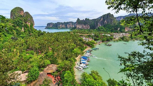 Rock Climbing In Railay Tour