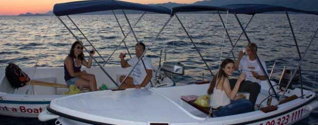 One Day Sunset And Wine At Sea – Boat Trip Package