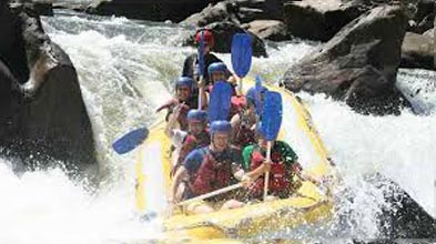 Foaming Fury – Half Day Rafting Barron River Package