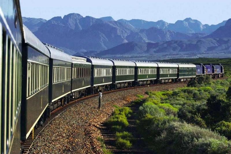 Luxury Train & Safari Package