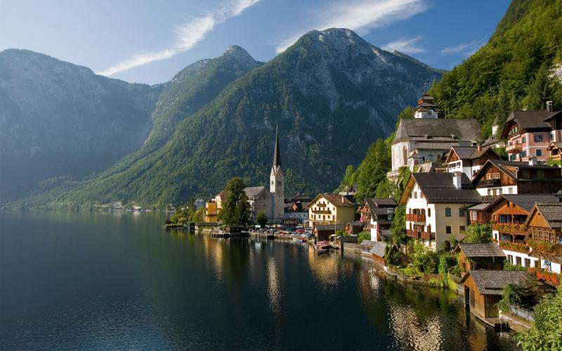 Eastern Europe + Hallstatt - 11 Days Package