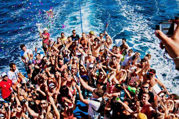 Champagne Showers Boat Party Package