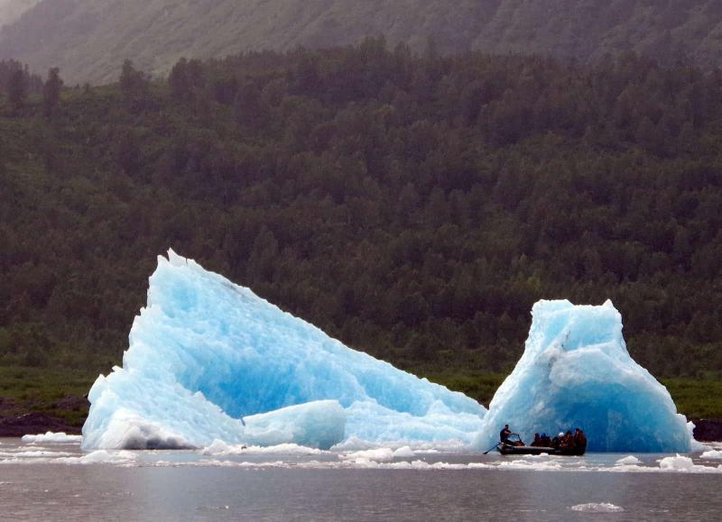 Anchorage 9-Night Glaciers, Rails, And Trails Tour Package