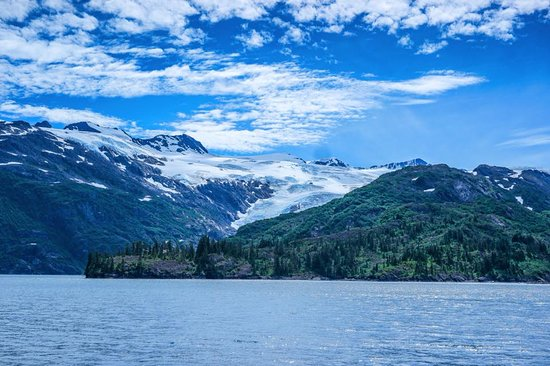 Whittier Blackstone Bay Glacier Cruise Package
