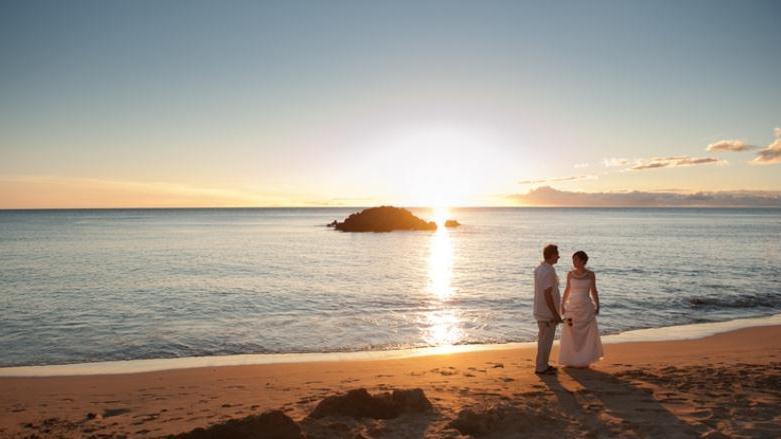 Wedding...a Simply Done Beach Wedding In Hilo Tour