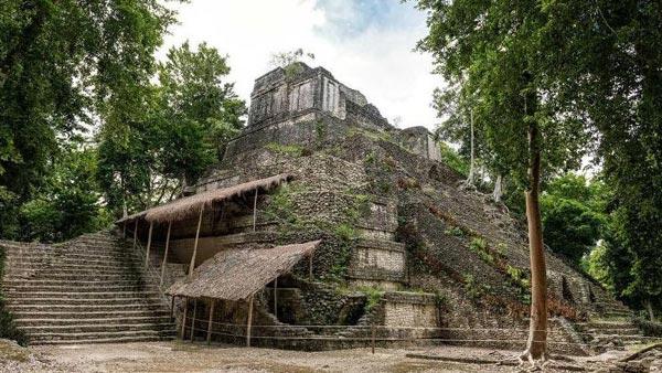 Visit The Dzibanche Ruins