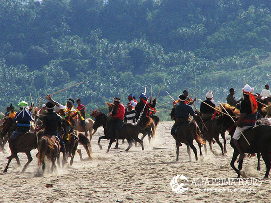6 Days Sumba Megalith Tour Package