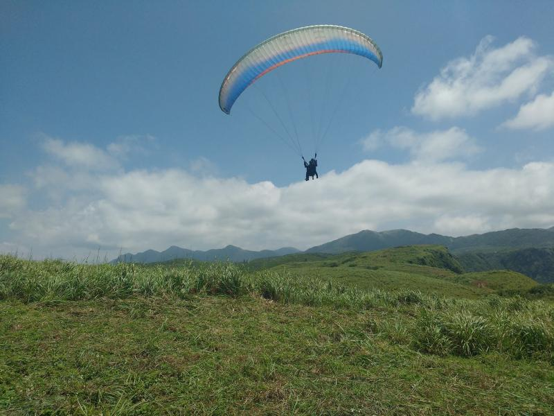 Tandem Paragliding In Alicante Pack Pilot Package