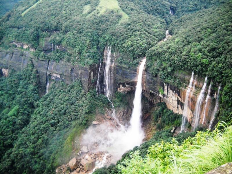 Shillong – Cherrapunjee- Mawlynnong –dawki - Guwahati Package