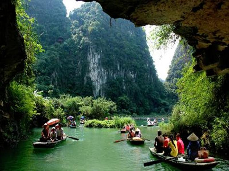 Tam Coc- Hoa Lu – Deluxe Tour  Package
