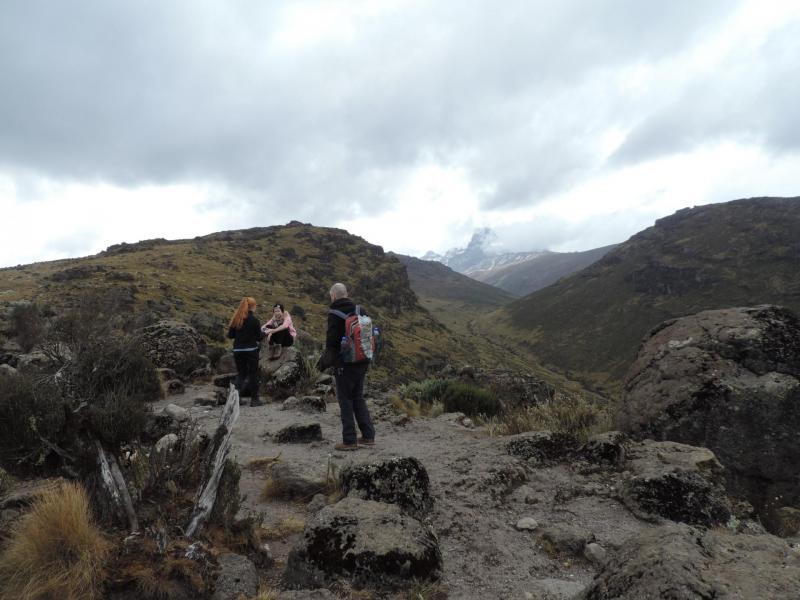 Mount Kenya - Up Sirimon/down Chogoria Tour