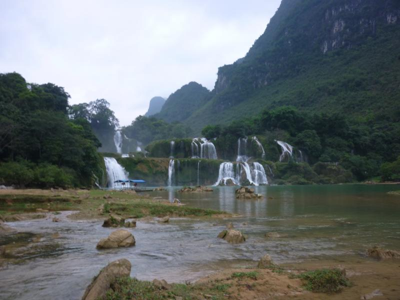 Hanoi - Ba Be Lake - Ban Gioc Waterfall 3 Days Package