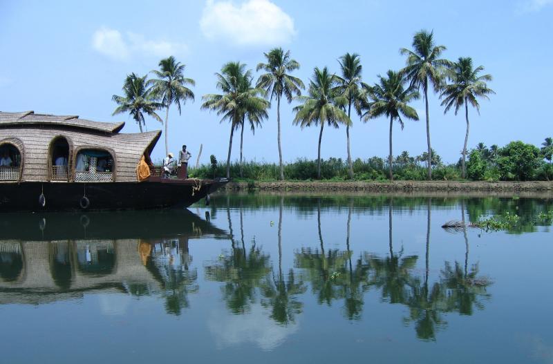4d – Cochin – Munnar – Alleppey – Cochin Package