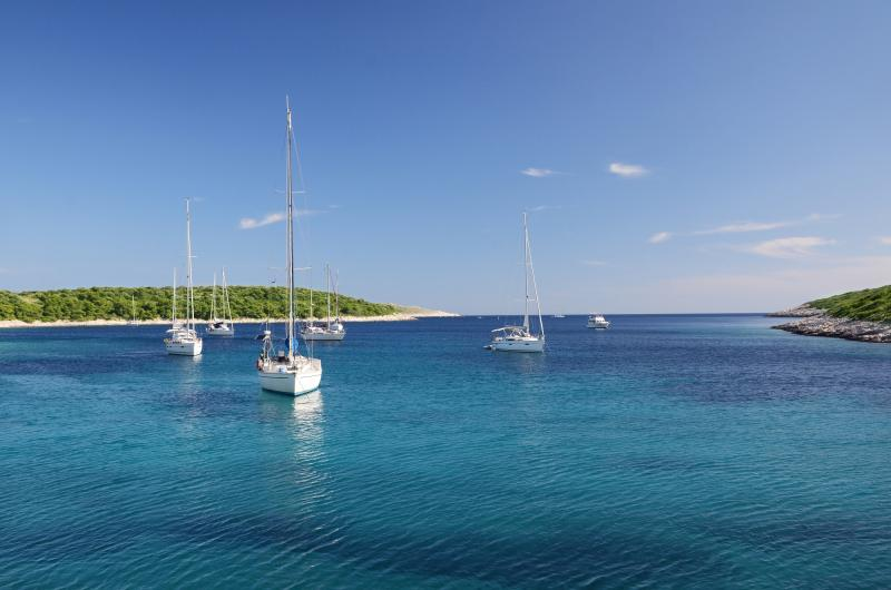 Private Sailing: 4 Days Island Hopping Package