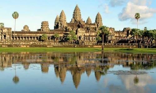 Angkor Wat Sunrise + Small Tour