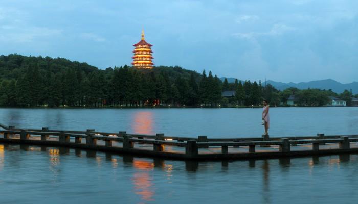 Grand Tour Of China Beijing – Chengdu – Shangrila – Lijiang – Dali – Kunming – Guilin