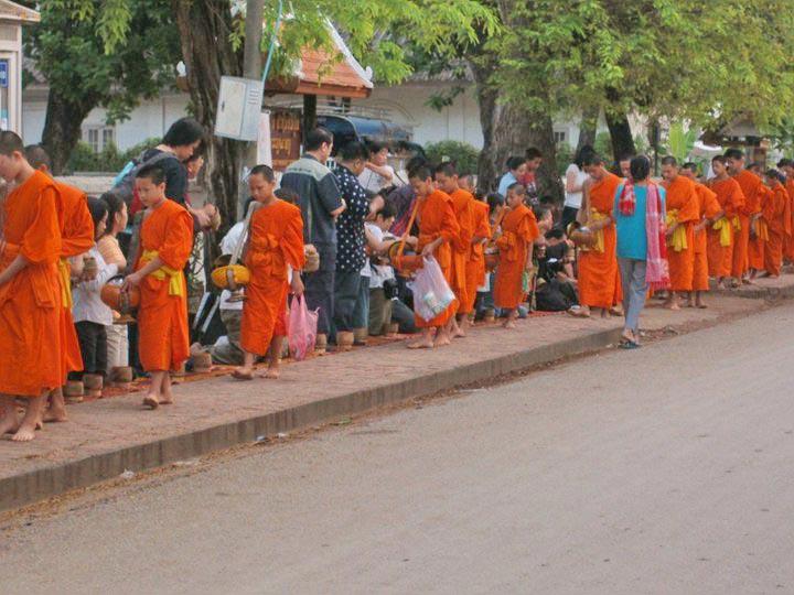 Scenic Laos Vientiane – Xiengkhouang – Luang Prabang 05 Days/04 Nights Package