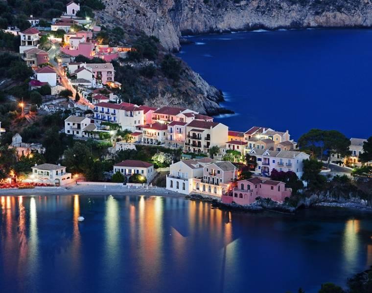 Athens – Mykonos- Santorini Holiday Package