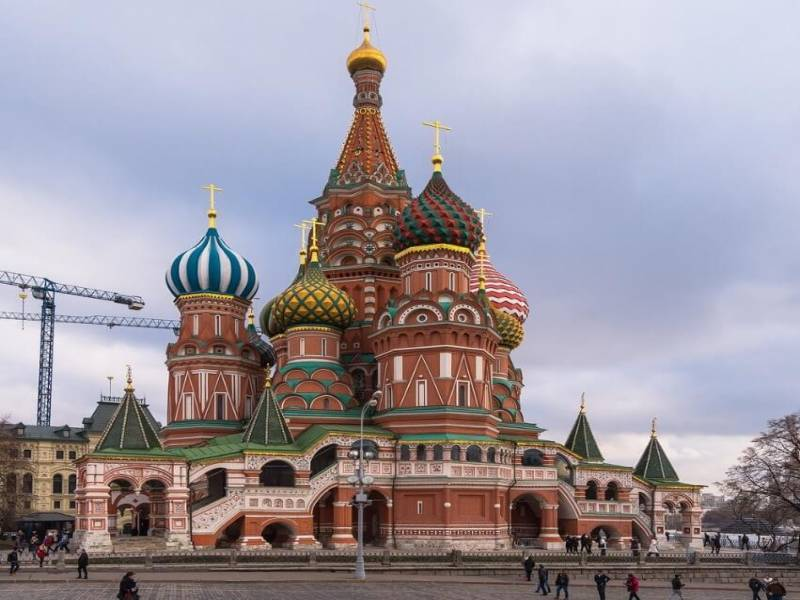 Tour To Two Hearts Of Russia