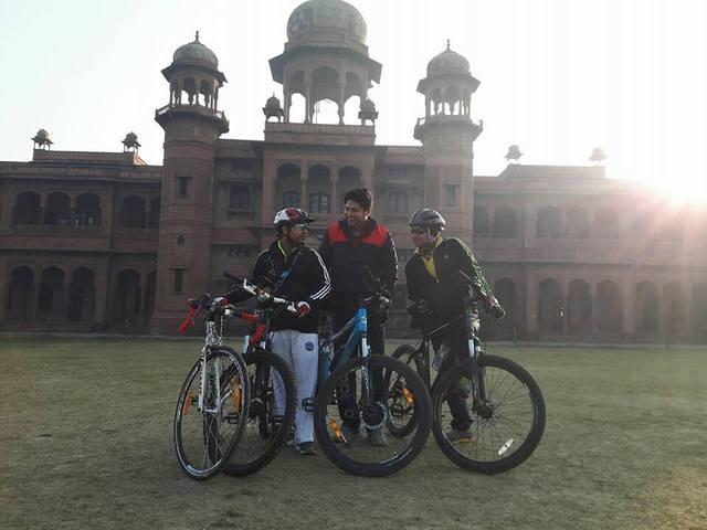 Agra At Dawn - Cycling Tour