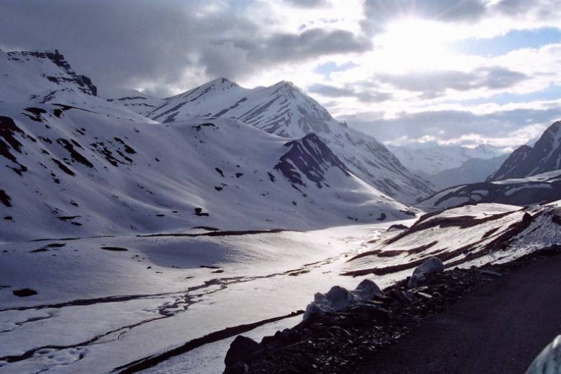 Kullu Manali Shimla Honeymoon Tour Packages From Banswara