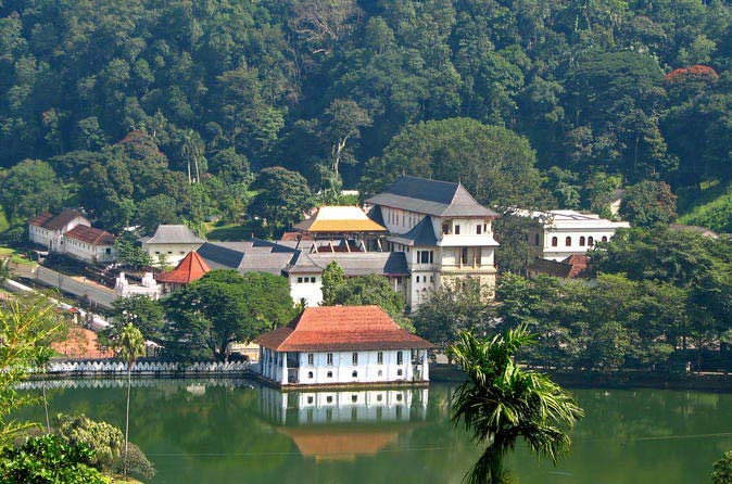 Discover Sri Lanka's Leisure Vacation Tour