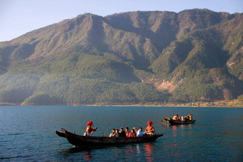 Yading To Lugu Lake Trekking Tour