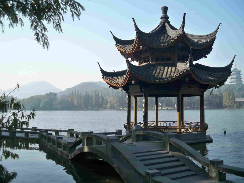 Shanghai Hangzhou Xian Chengdu Yunnan Guilin Hong Kong Tour