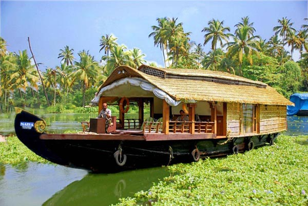 Kerala: God's Own Land 3 Star Trip Tour