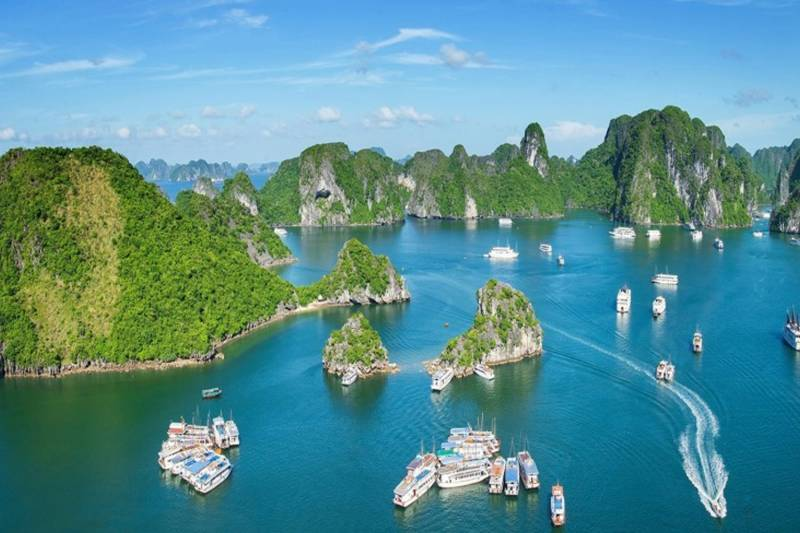 2 Days 1 Night Oasis Bay Party Cruise Halong Bay Tour