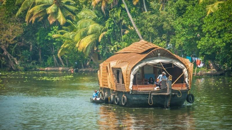 Kerala Honeymoon Special Package